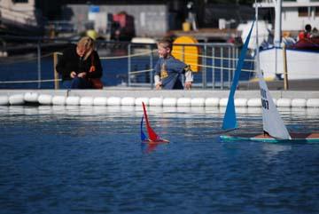 toy model sailboat 10