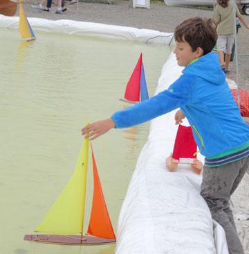 toy model sailboat 11