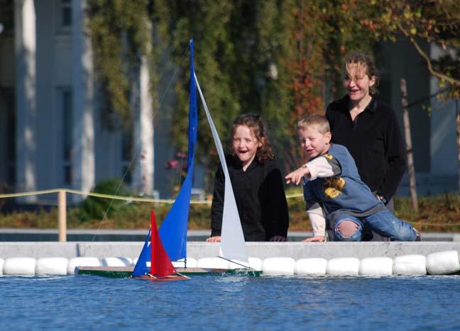 toy model sailboat 2
